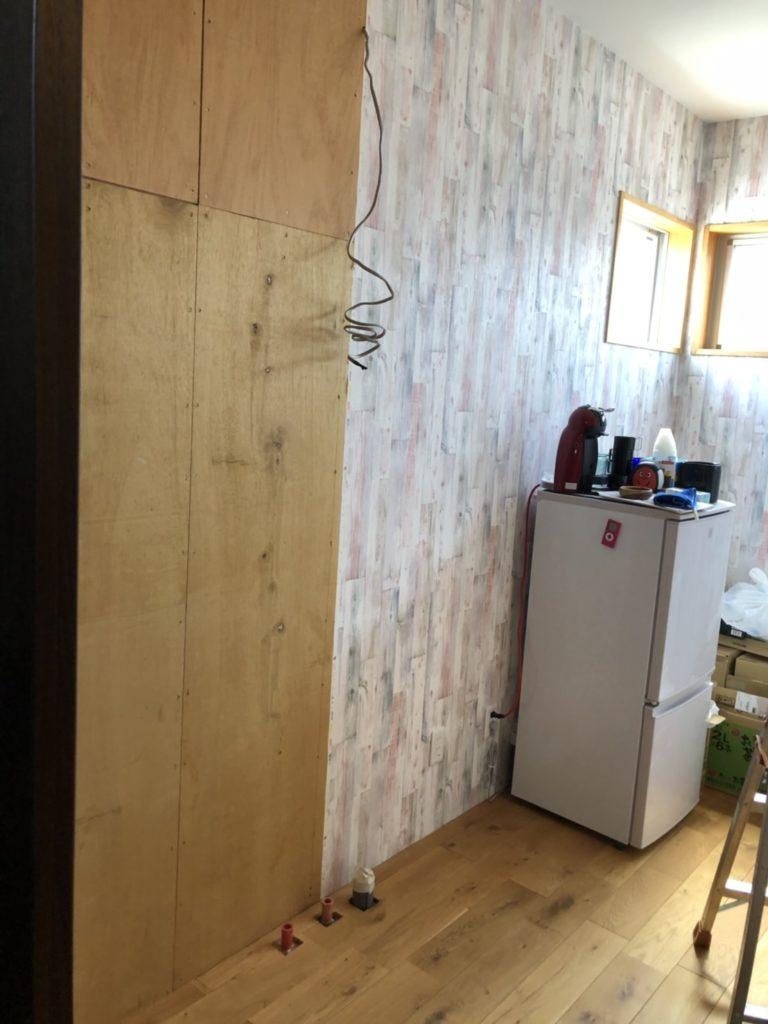 システムキッチンを設置しました。